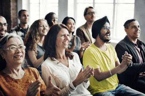 5 סיבות לצחוק במופע סטנד אפ דוגו