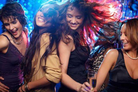 מסיבה עם ריקוד וסטנאפ